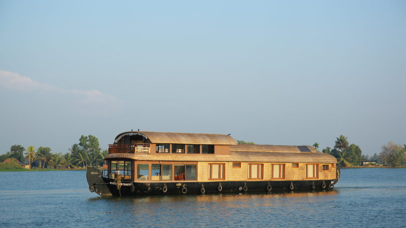 Lake Riviera Best Luxury Houseboat in South India