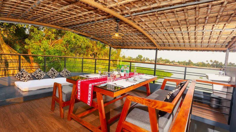 Lake Royale Budget Luxury Houseboat Kerala Alleppey Boat House