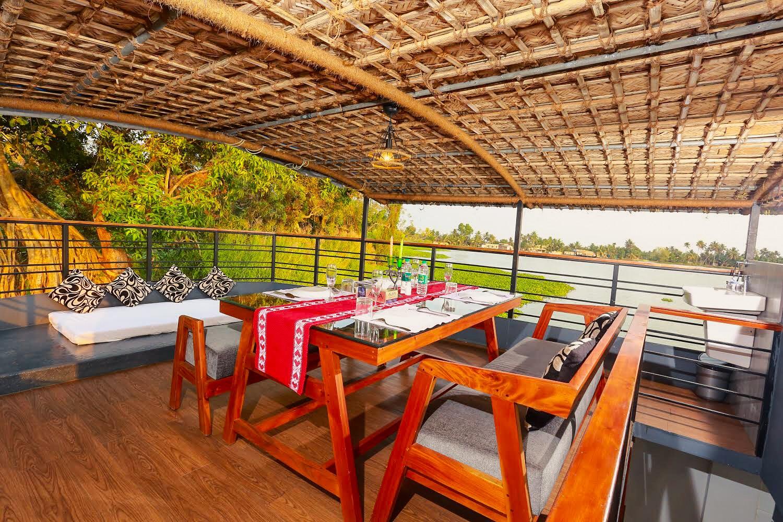Lake Royale Budget Luxury Houseboat Kerala|Alleppey Boat House