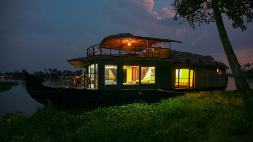 Luxury Boat House Alleppey Boat House Lake Royale